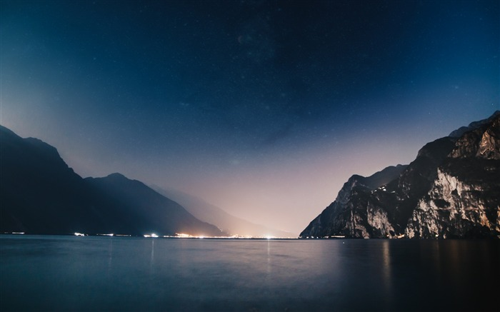 Mountains night sea-High Quality Wallpaper Views:1199