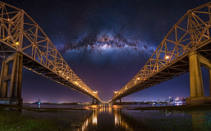 Louisiana The Crescent City Connection bridges in New Orleans-2017 Bing Desktop Wallpaper Views:1241