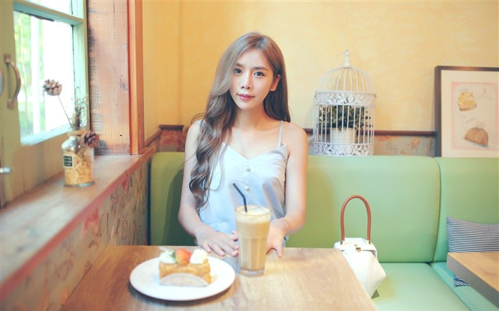 Cafe pure and beautiful Chinese girl photo 06 Views:1001