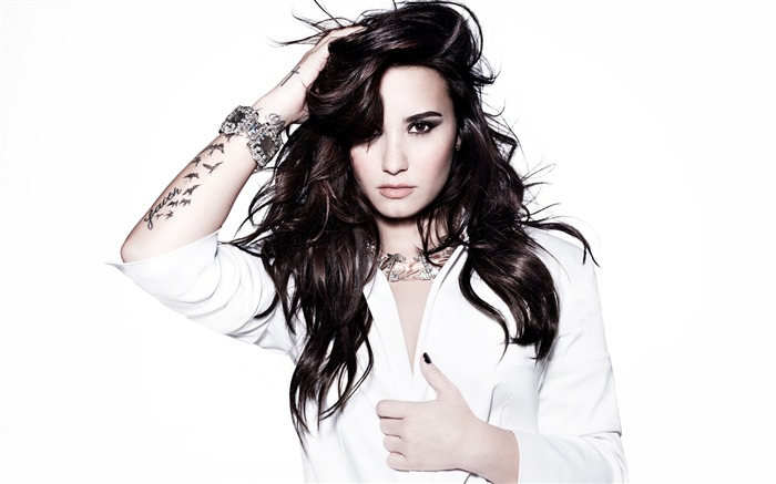 Demi lovato-2017 Beauty HD Photo Wallpaper Views:958