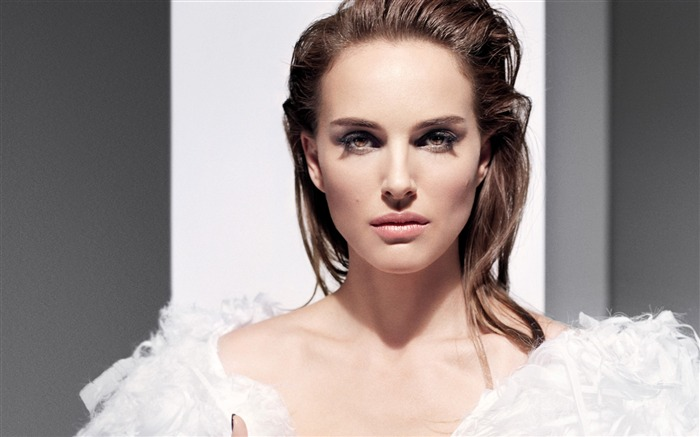 Natalie Portman-2017 Beauty HD Photo Wallpapers Views:897
