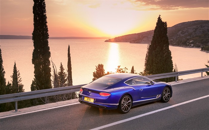 2018 Bentley Continental GT Auto HD Wallpaper 09 Views:2129 Date:9/15/2017 9:16:46 AM