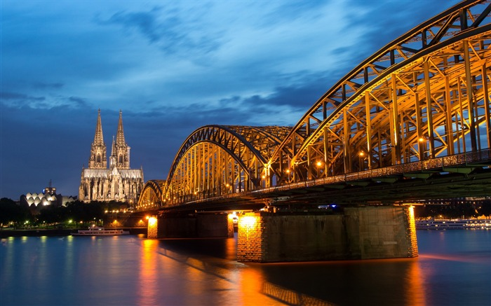Hohenzollern bridge rhine river cologne-Cities HD Wallpaper Views:3952 Date:9/9/2017 8:58:25 AM