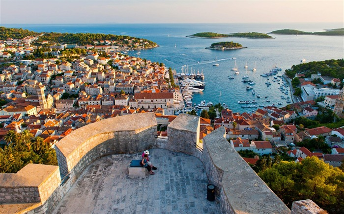 Hvar Croatia-National Geographic Wallpaper Views:6871 Date:9/22/2017 1:22:30 AM