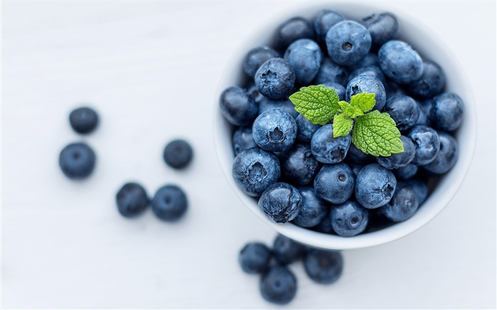Blueberries 2017 High Quality Wallpaper Views:1088