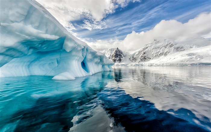 Antarctica iceberg blue ocean 4K HD Photo Views:513