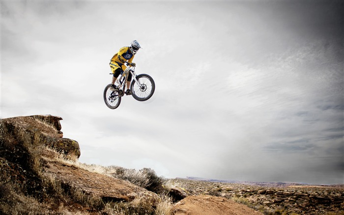Bicycle desert outdoors racing sport 4K HD Views:601
