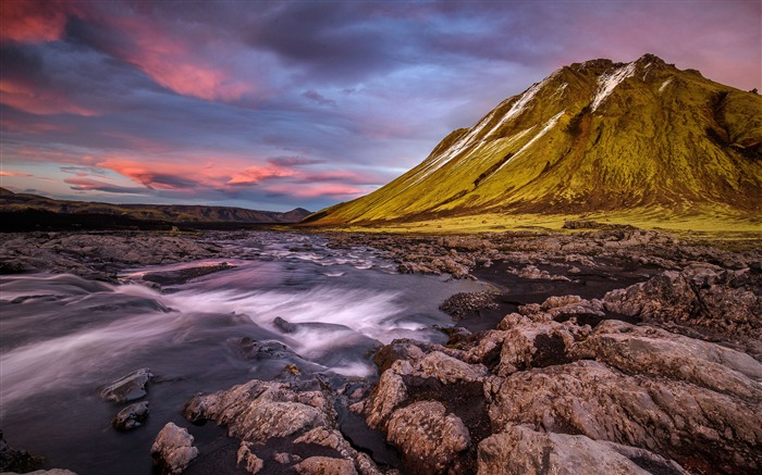 Iceland mountains river stream stones Views:477