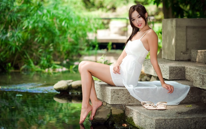 Asian beauty model outdoor 4K photo Views:4413