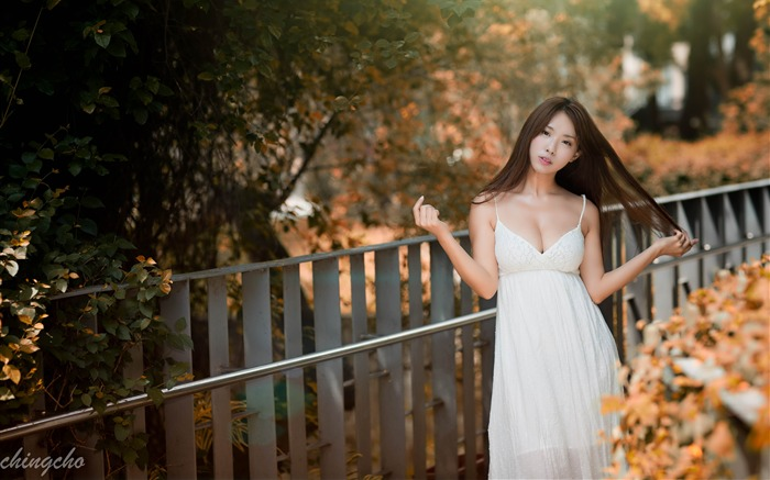 Autumn white dress sexy attractive girl Views:1425