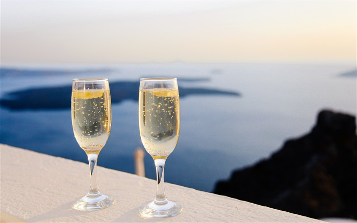 Ocean vacation hotel champagne glass Views:780