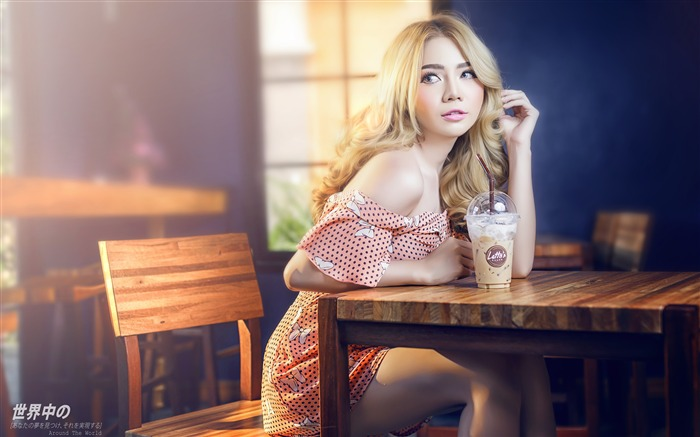 Japanese sexy cute blonde girl cafe Views:1626