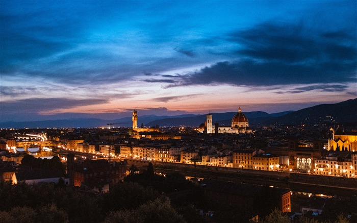 Italy Florence night architectural lighting Views:4141 Date:5/4/2018 6:39:31 AM