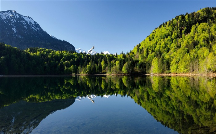 Lake Green Jungle Reflection Blue Sky Views:4248 Date:5/20/2018 8:57:42 AM