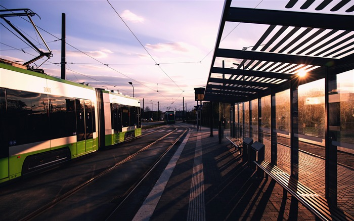 Modern City Traffic Tram Station Sunset Views:3421 Date:5/8/2018 9:25:48 AM