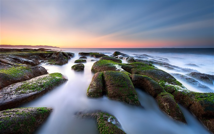 Beach rock green moss sunset sea horizon Views:1764 Date:7/23/2018 7:17:05 AM