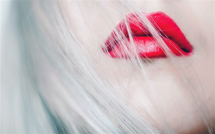 Beautiful girl face white hair red lips Views:1222 Date:7/15/2018 7:04:45 AM