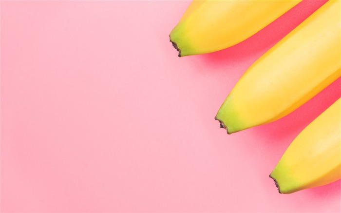 Yellow banana fruit food pink background Views:4602 Date:9/17/2018 2:57:15 AM