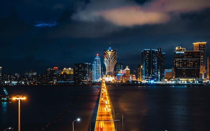 Macau Grand Lisboa Night HD Photography Views:3188 Date:11/6/2019 8:40:43 AM