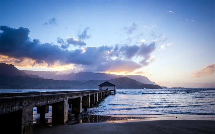 Hanalei Bay Pier Morning 2020 Scenery HD Photography Views:1946 Date:5/7/2020 6:44:12 AM