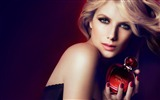 Title:Melanie Laurent beauty girl photo wallpaper Views:3987